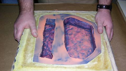 用轻质加固支撑制作涂刷型模具