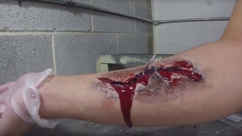如何制作仿真伤口